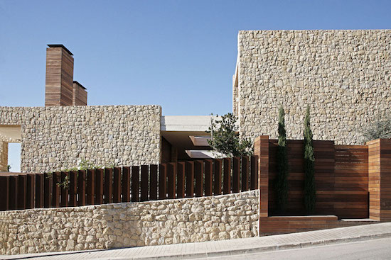 Modern_Architecture_Defining_Contemporary_Lifestyle_In_Spain_seen_on_world_of_architecture_02.jpg