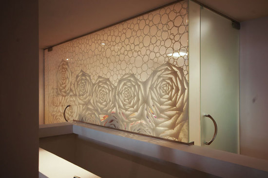 Custom Washi Laminated Glass Walk-in Closet_3.jpg